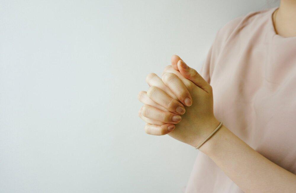 Karm otsus! Haigekassa keeldus taas haruldase verehaigusega 17aastase tüdruku ravi kompenseerimast