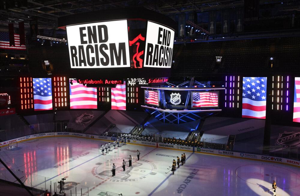НХЛ отменила матчи Кубка Стэнли из-за стрельбы в чернокожего