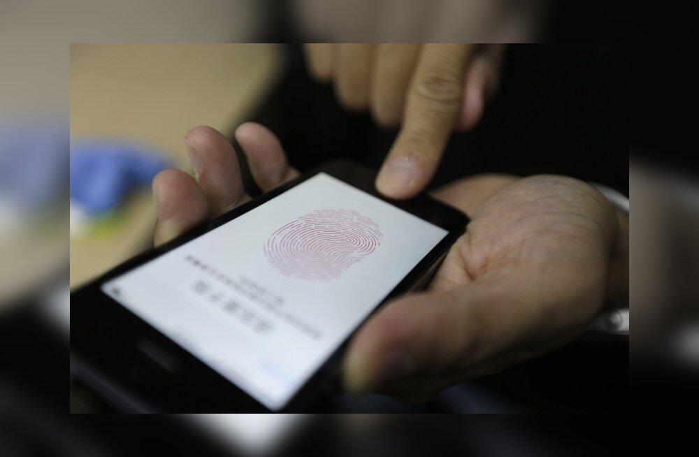 Hüvasti, paroolid: Apple'i nutitelefon võib viia sõrmejäljetuvastuse massidesse