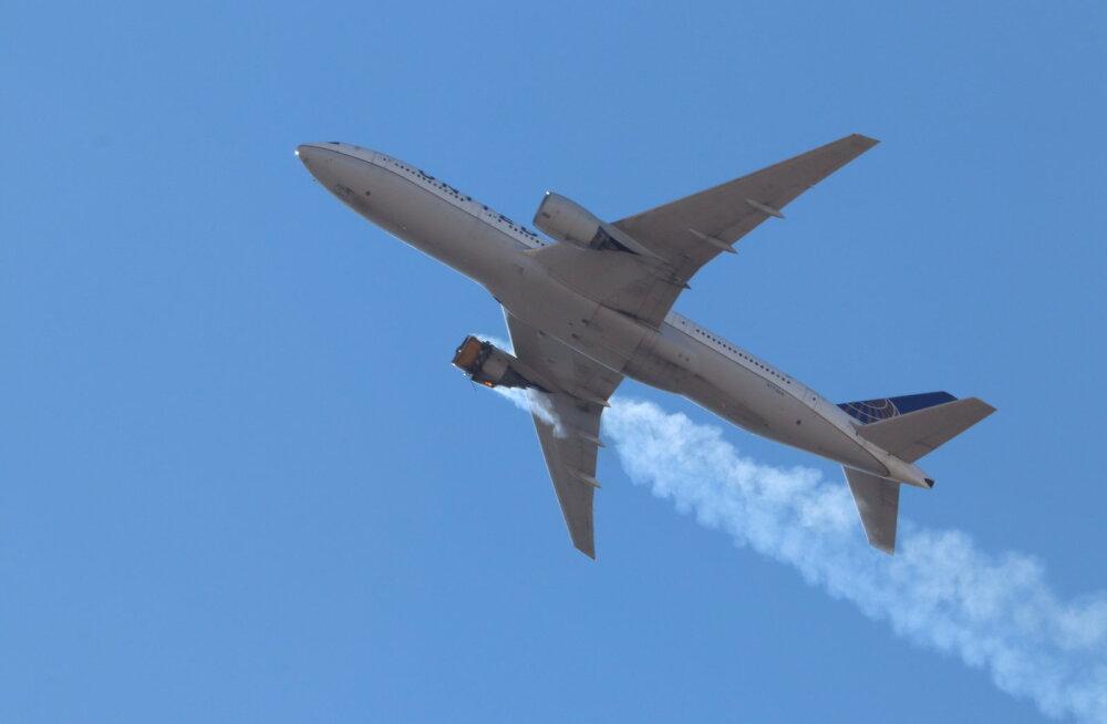 United Airlines jätab pärast mootori purunemist Denveris maa peale 24 lennukit Boeing 777