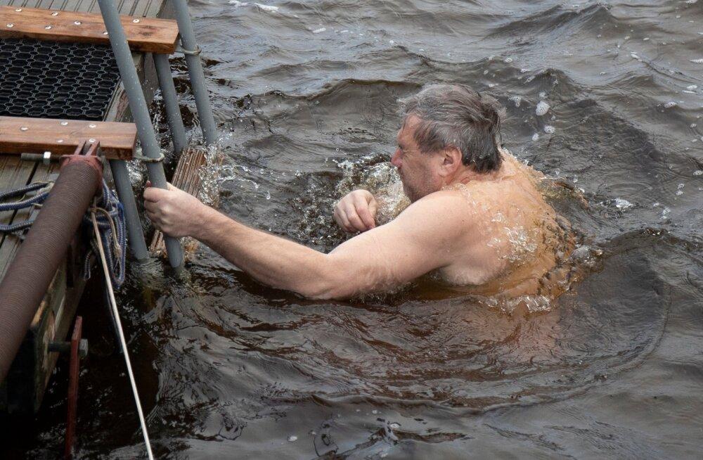 Kristuse ristimispüha Tallinna taliujumiskeskuses