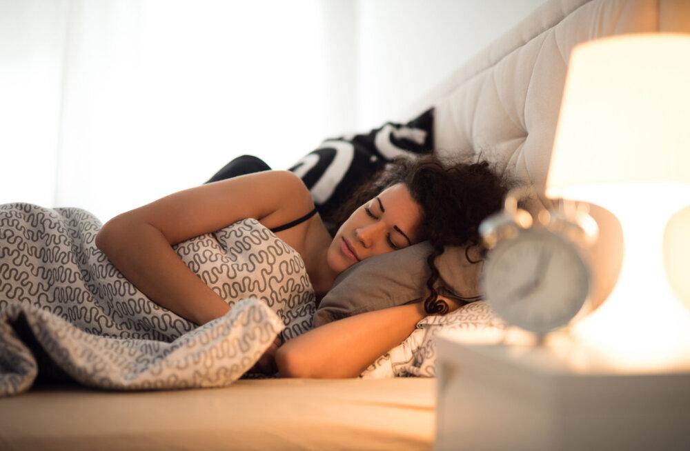 Toidud, mis lihtsustavad õhtust uinumist ning soodustavad hea une teket