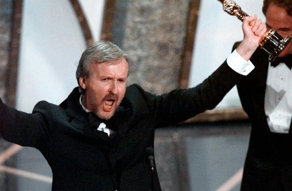 James Cameron 1998. aastal Oscarit võitmas