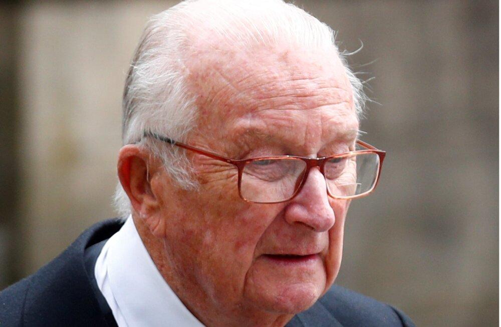 Belgia endine kuningas Albert andis isaduse kindlaks tegemiseks DNA proovi