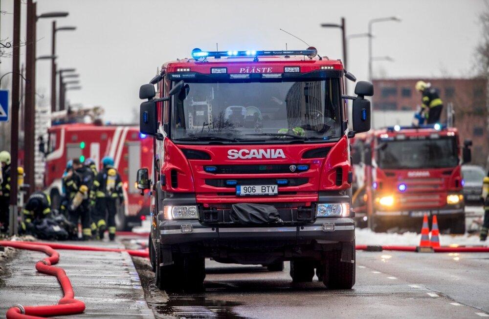 Tartumaal põleb elumaja. Inimesed õnneks viga ei saanud