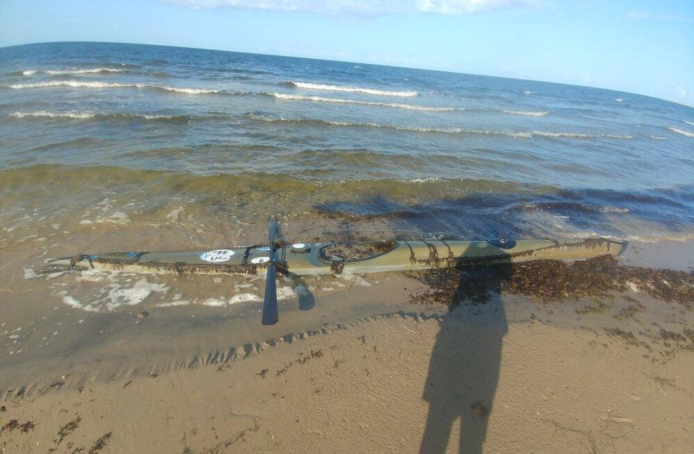 Pärnumaa Matsi rannalt leiti Liivi lahel kadunud lätlase kajak