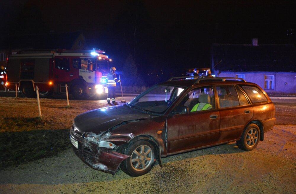 Joobes juht põhjustas Võhmas avarii