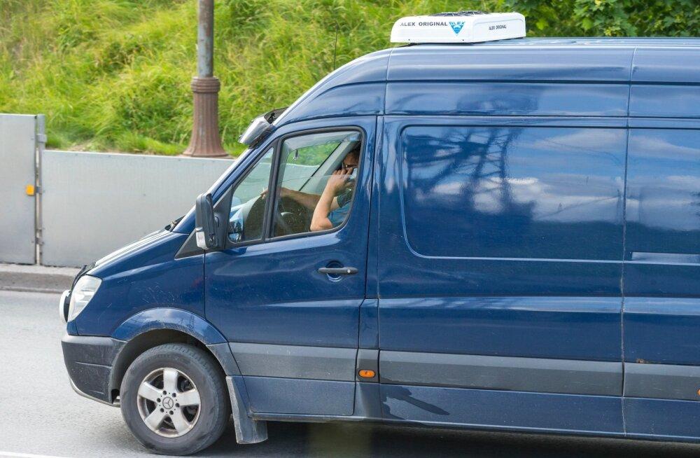 Kõrvalised tegevused autoroolis Tartus