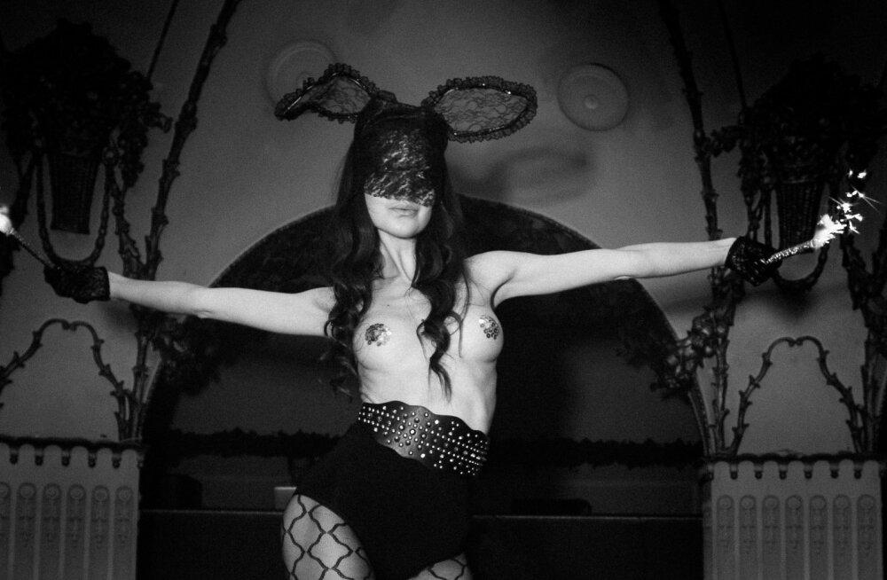 """FOTOD: Erotic Cinema """"Sexy Bunny"""" tõi vallatu pühademeeleolu Teatrisse!"""