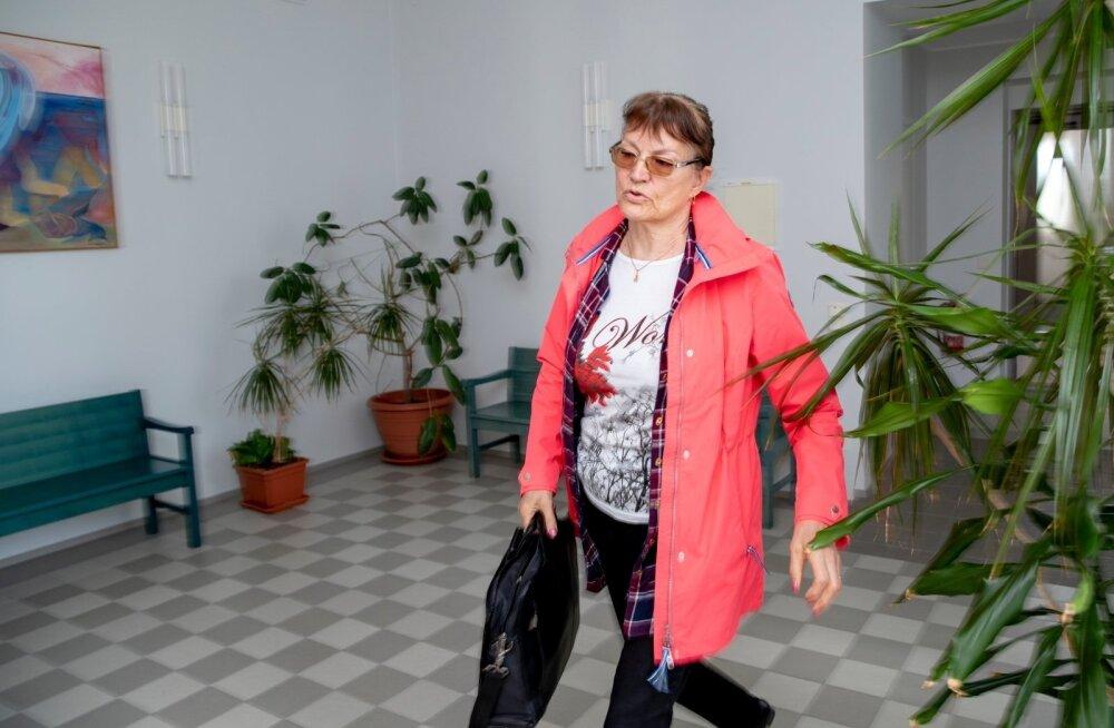Прокуратура требует для приемной матери реального лишения свободы на срок четыре с половиной года