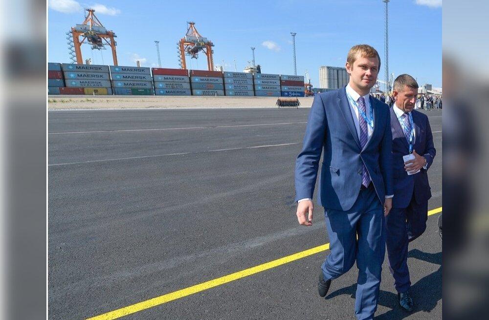 Remo Holsmeri (vasakul) juhitud Tallinna Sadama nõukogu leidis, et otsuse mittetegemine on samuti otsus, ja suunas vastutuse tagasi tollal veel vabaduses viibinud juhatuse esimehele Ain Kaljurannale.