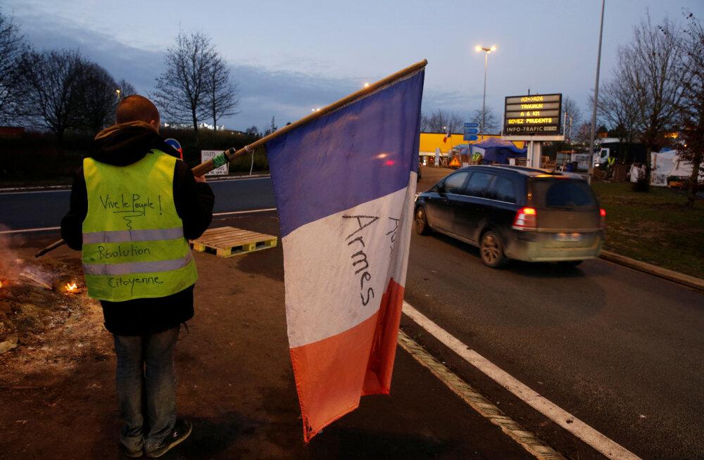 """Prantsusmaa """"kollased vestid"""" võitsid: valitsus lükkab aktsiisitõusu edasi"""