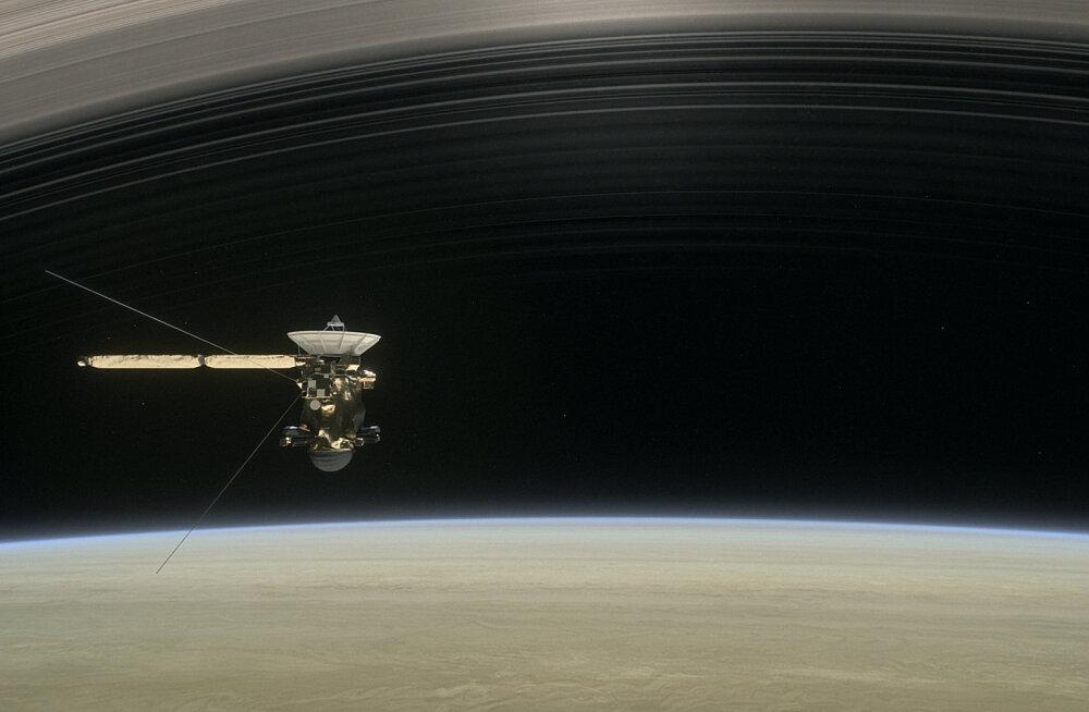 Tehtud! Cassini lendas esimese kosmoseaparaadina Saturni ja selle rõngaste vahelt läbi