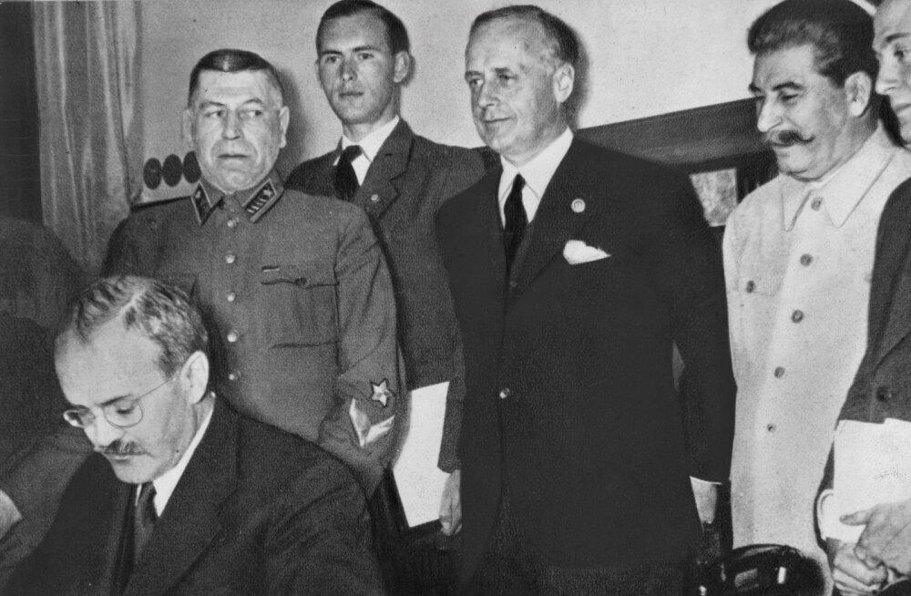 Vladimir Putin sõjaväe juhtkonnale: Molotovi-Ribbentropi pakt oli meile vajalik