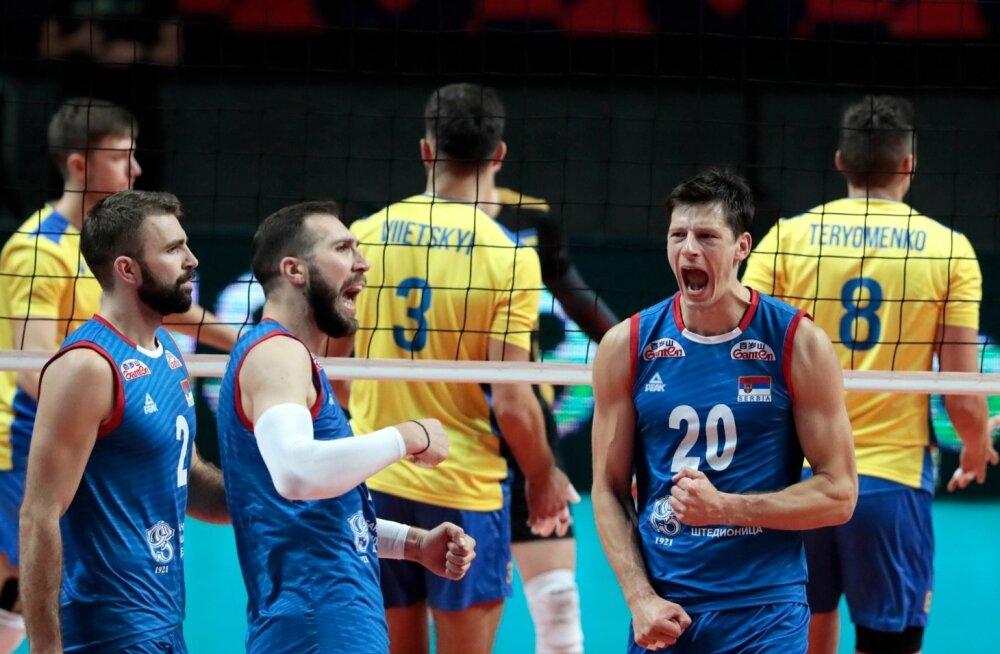 Serblased (sinises) peatasid EM-il ukrainlaste imelise teekonna.