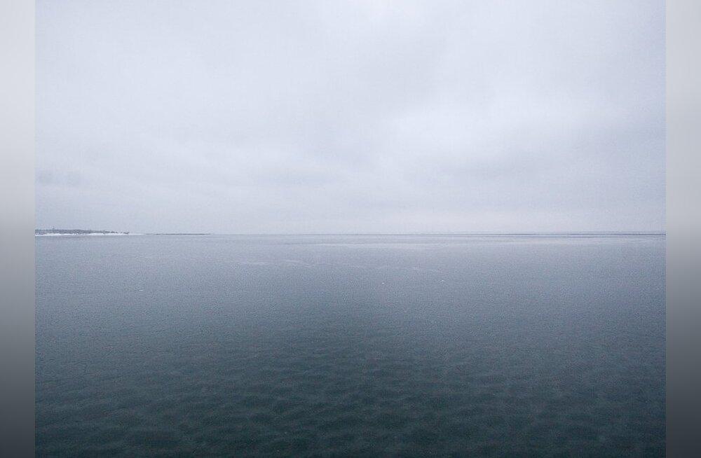 Jäälõhkujlta Tarmo avanev külm jääeelne vaatepilt