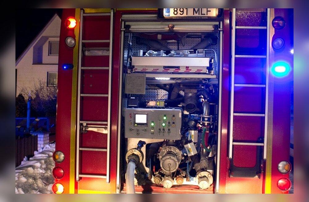 Narva haiglast evakueeriti tulekahju tõttu inimesed