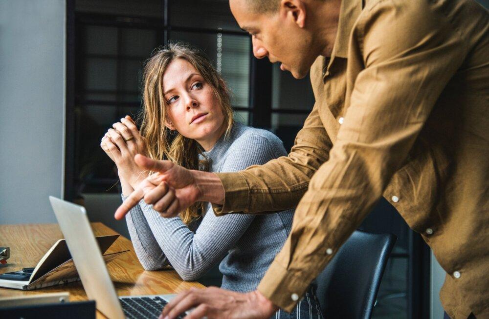 See äärmiselt piinlik teema kerkib suure palavuse tõttu kontorites üha rohkem esile. Mida teha?