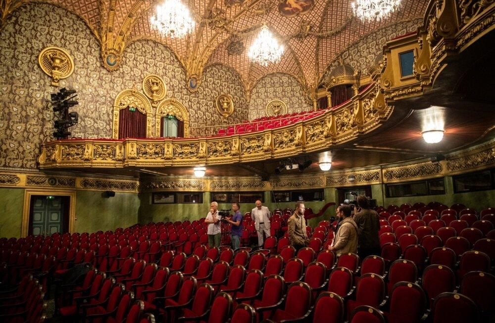 """Mossoveti-nimeline teater toob Tallinna Vene Teatri saali ühel korral lavastuse """"Kõik pole kassile vastlapäev""""."""