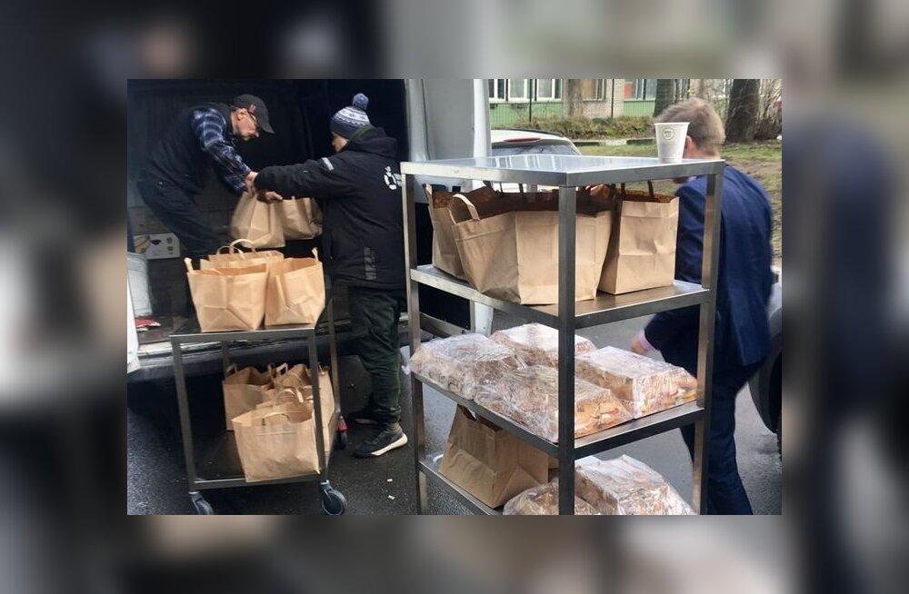 ФОТО: Работодатели отменили конференцию и пожертвовали еду Продуктовому банку
