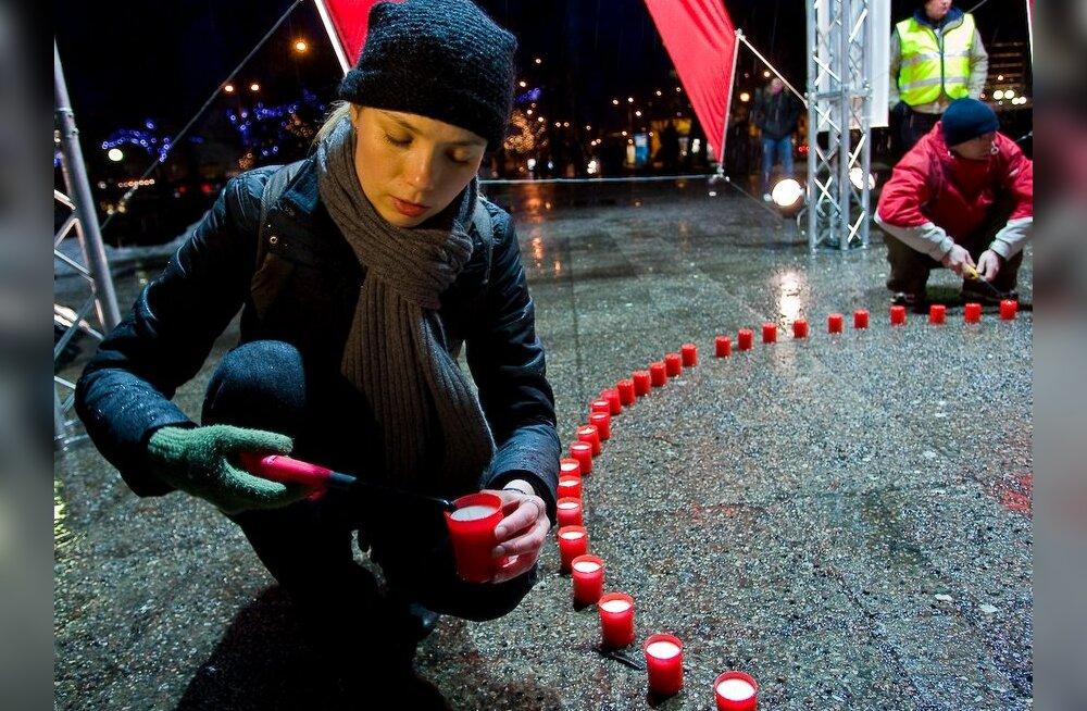 Homme süüdatakse aidsiohvrite mälestuseks küünlad