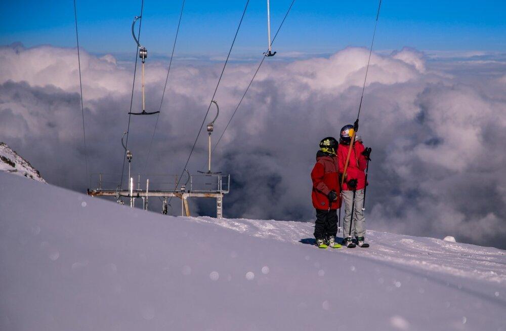 Sel suvel olid Henry ja Kelly Sildaru esimest korda lumelaagris Prantsusmaal Les Deux Alpes'is.
