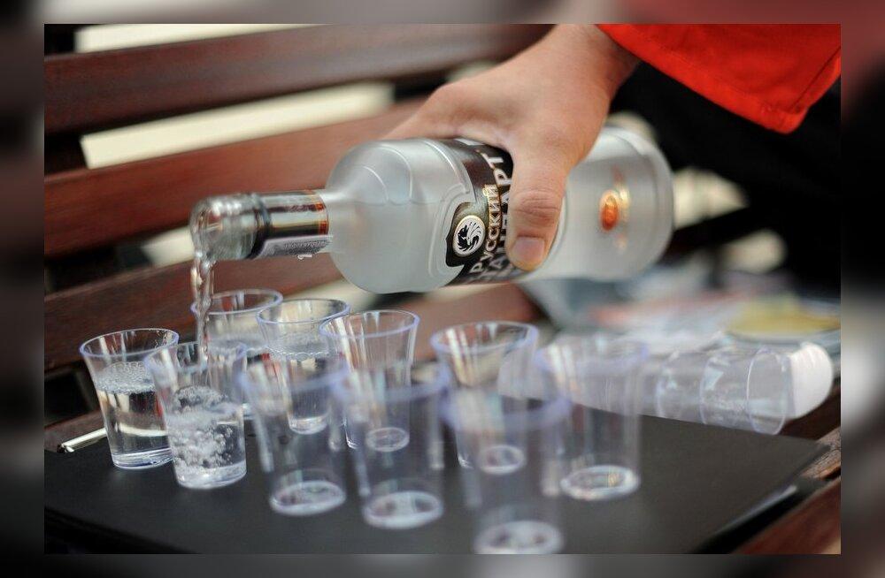 Põhjamaadest joodi eelmisel aastal enim alkoholi Eestis