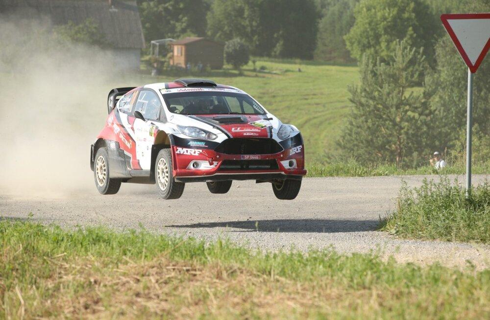 DELFI RALLY ESTONIAL | Võistluse katkestanud Egon Kaur: need hüpped on enamus autodele liiast