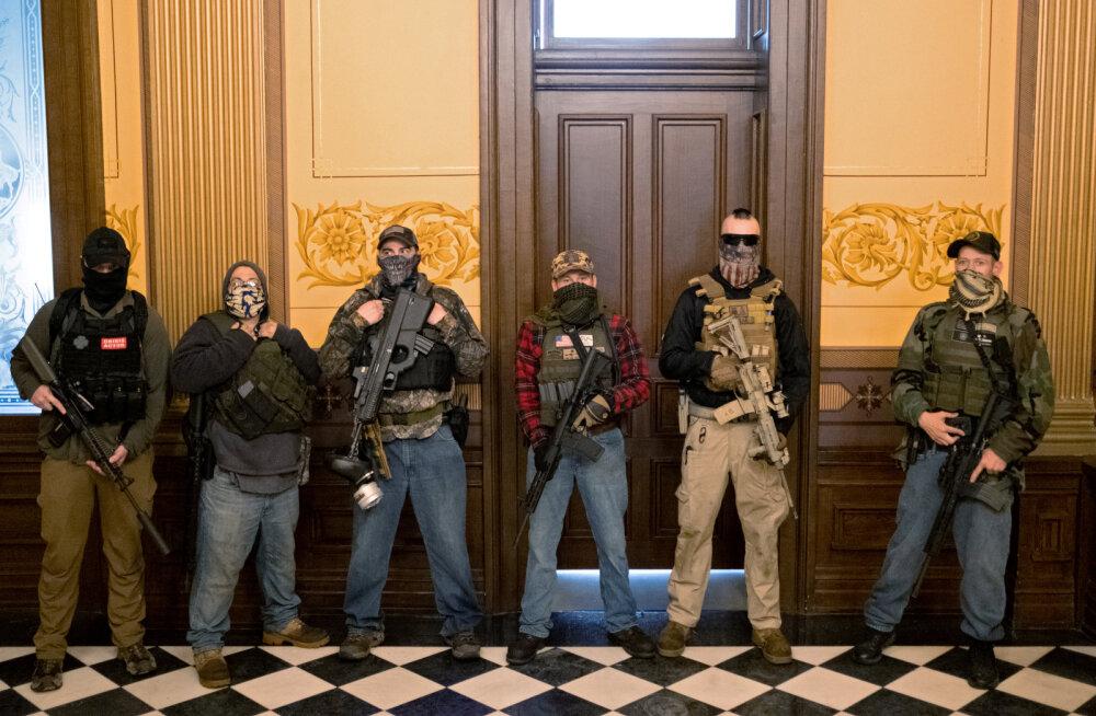 USA-s esitati 13 paremäärmuslasele süüdistus Michigani kuberneri röövimise vandenõus
