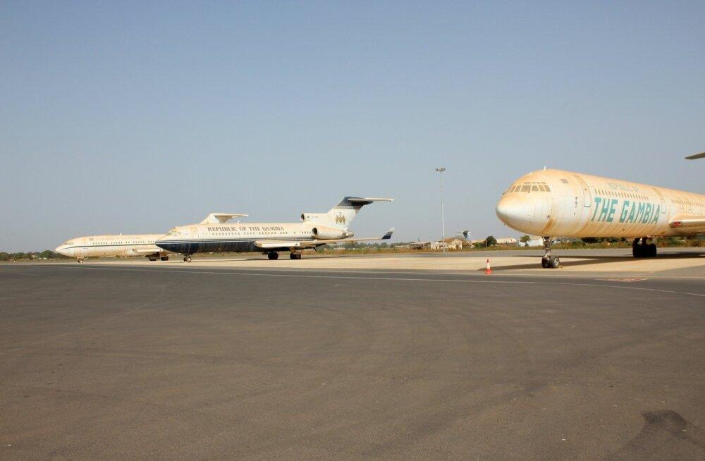 FOTOD ja VIDEO | Gambias pannakse oksjonile endise diktaatori viis lennukit ja 30 luksusautot