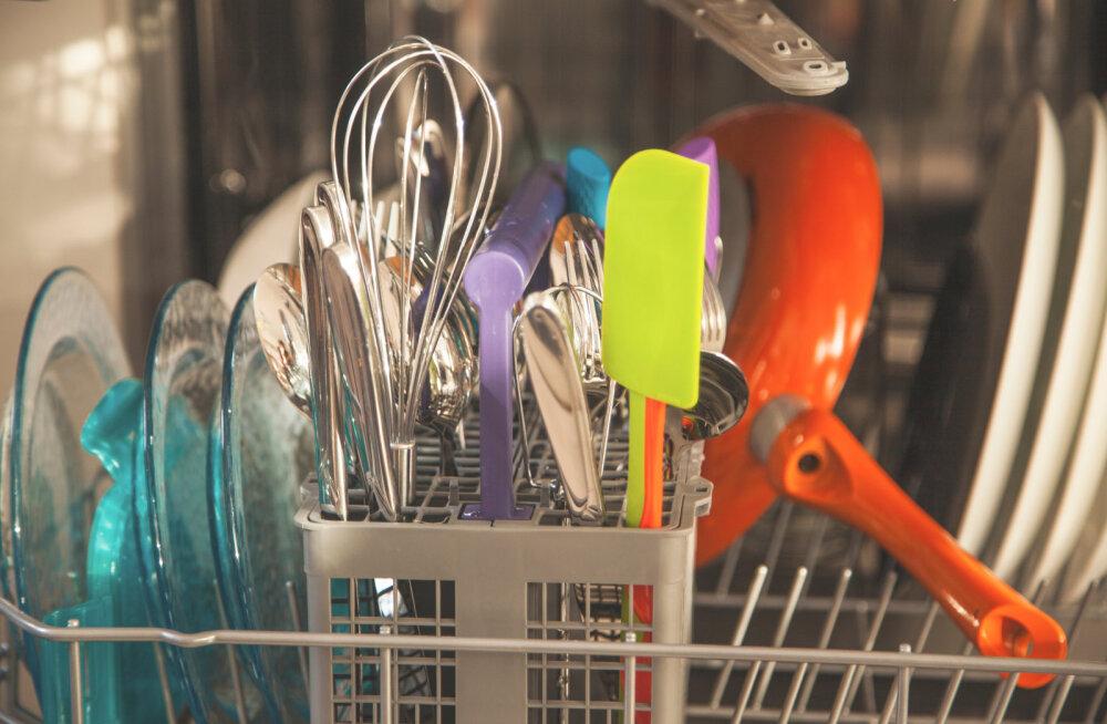 9 köögitarvikut, mida ei tohiks kunagi nõudepesumasinasse panna