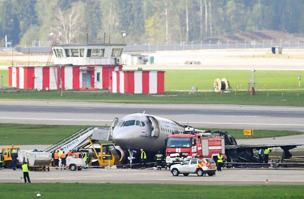 Источник: летчики-испытатели повторят заход на посадку разбившегося в Шереметьево SSJ