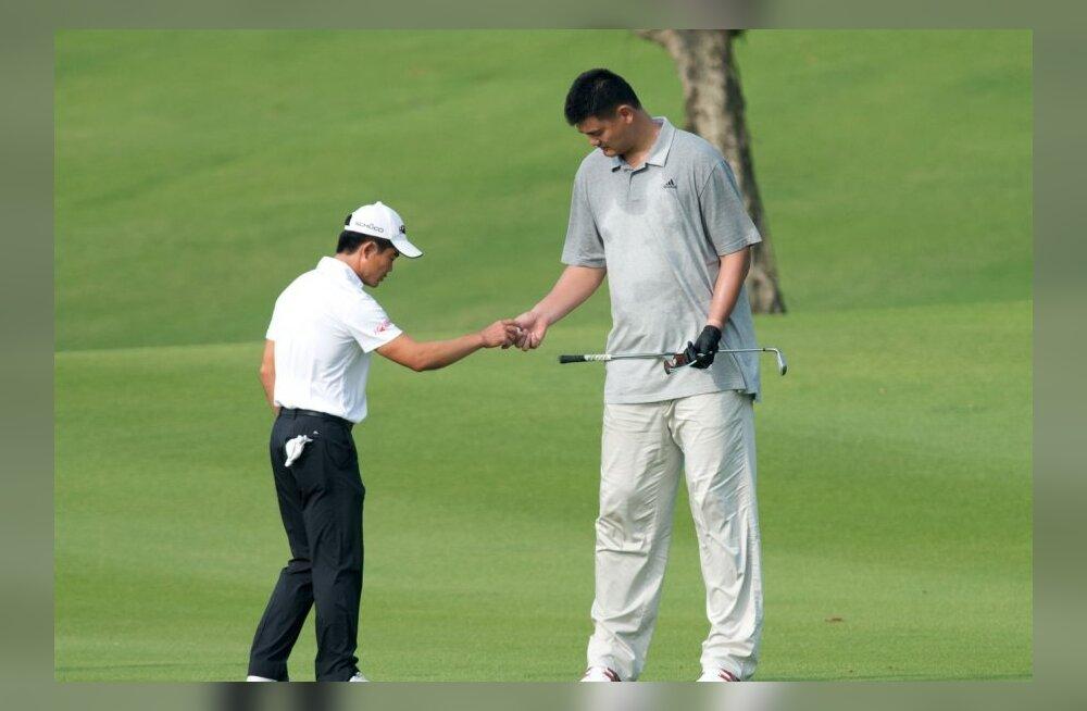 VIDEO: Millised on 229cm pika Yao Mingi golfioskused? Mitte eriti head...