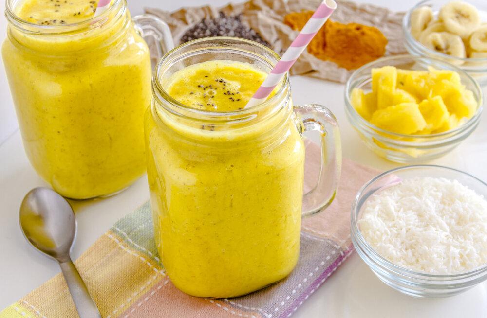 Ananassi ja kurkumi supertoonik langetab põletikke ja kaitseb vähi vastu