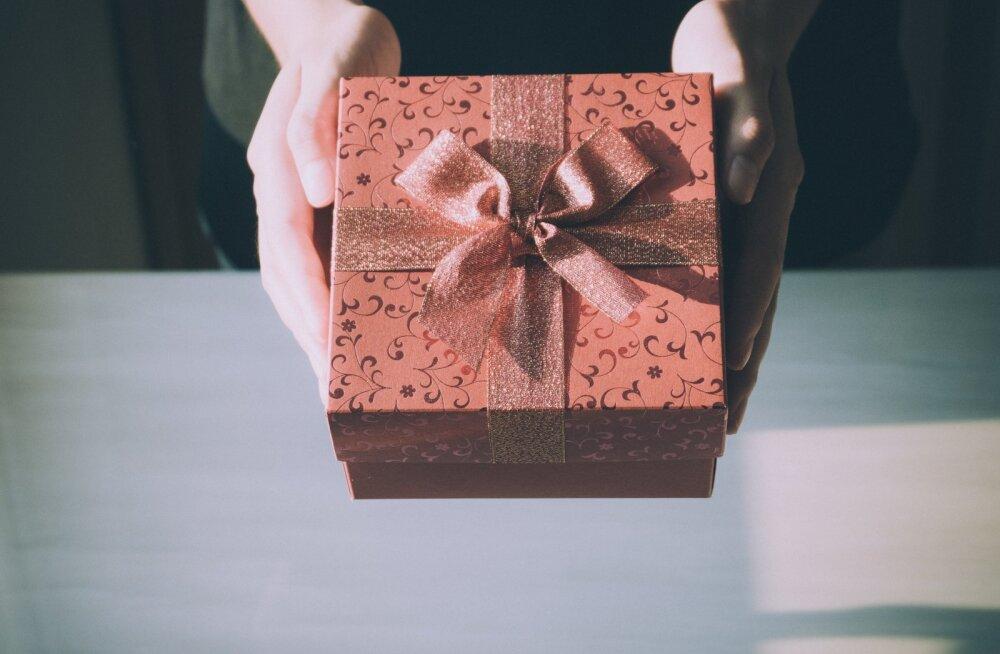 Фу, какой прекрасный подарок! Анна Сапроненко, Катерина Пишон, Ольга Гриб – о подарках плохих и хороших