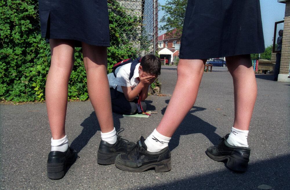 Что делать, если ребенка травят в школе