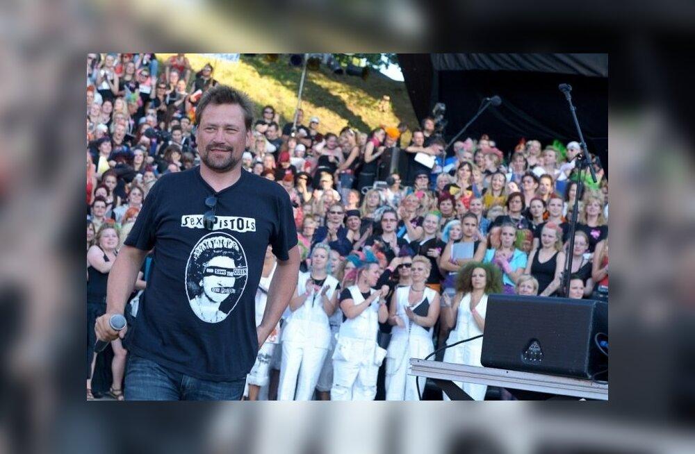 """Punklaulupeo idee autor ja teostaja Üllar Saaremäe ütleb, et punklaulupeol puudub süsteem, mitme aasta tagant see toimub. """"Pidu sünnib, kui hing seda ihkab.""""Foto eelmiselt punklaulupeolt aastal 2011."""