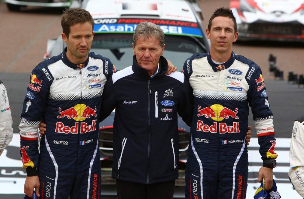 Malcom Wilson (keskel) koos Sébastien Ogier ja Julien Ingrassiaga