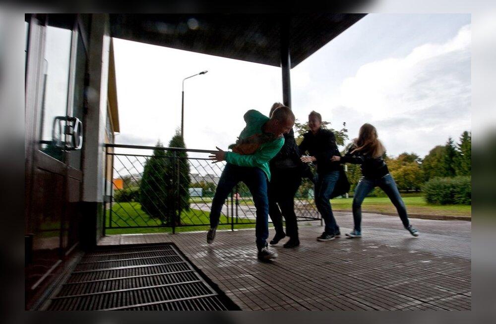 Kas teismelisi peaks hakkama kartma?
