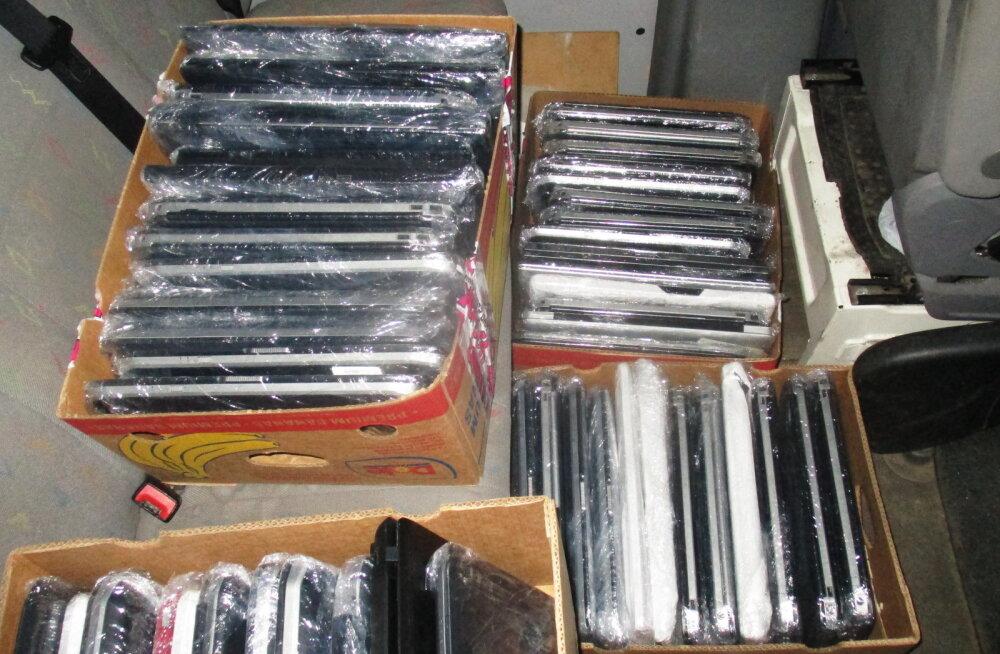 ФОТО   Жителя Эстонии задержали на российской границе с десятками ноутбуков