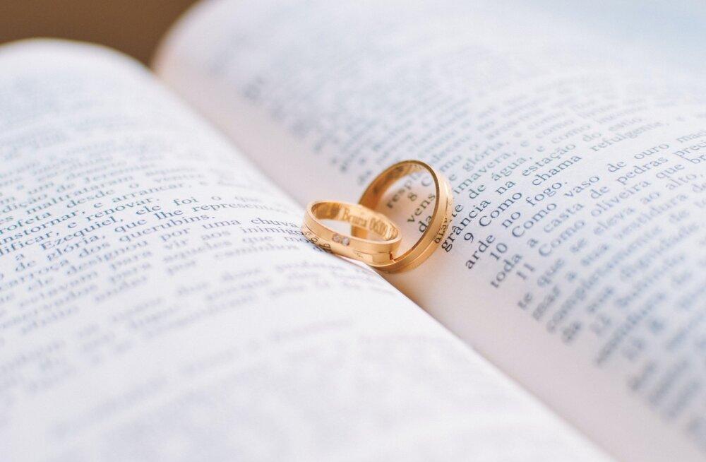 Eriolukord tõmbas abiellumistele ja lahutustele pidurit
