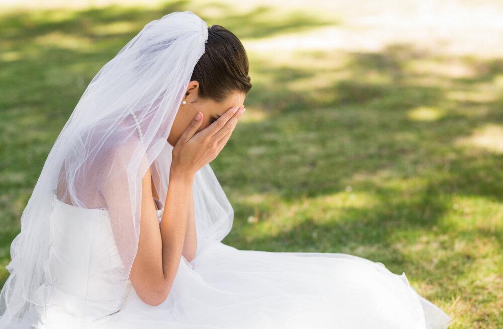 Kelnerid sõid tordi ära ja pruut jäeti maha ehk 10 kummalist vahejuhtumit pulmadest