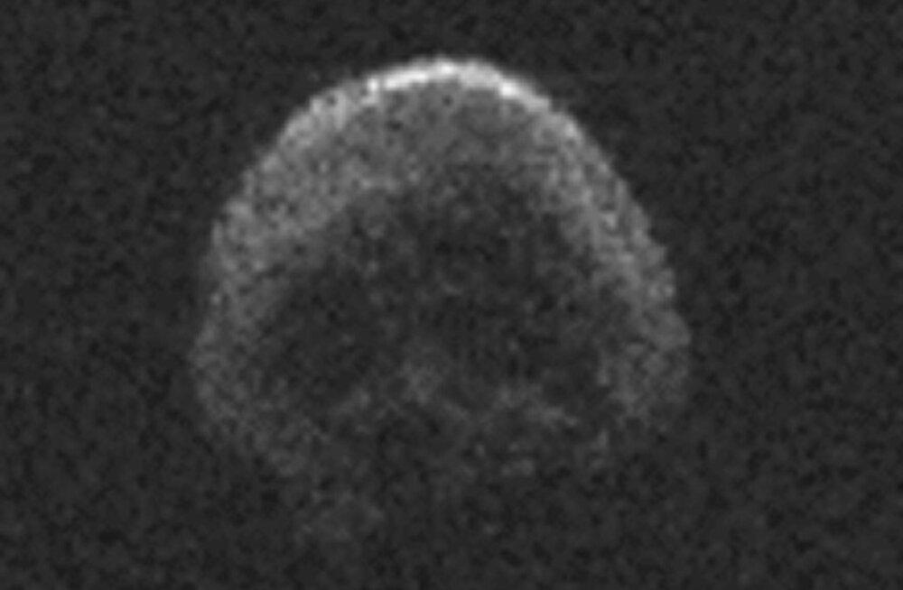 Halloweeni ajal kihutab Maast mööda koljukujuline asteroid