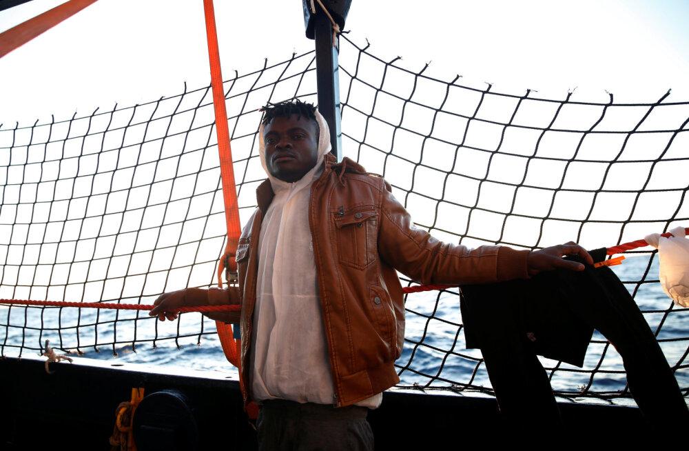 Euroopa Liit võttis pärast pikki vaidlusi vastu 64 Aafrika põgenikku
