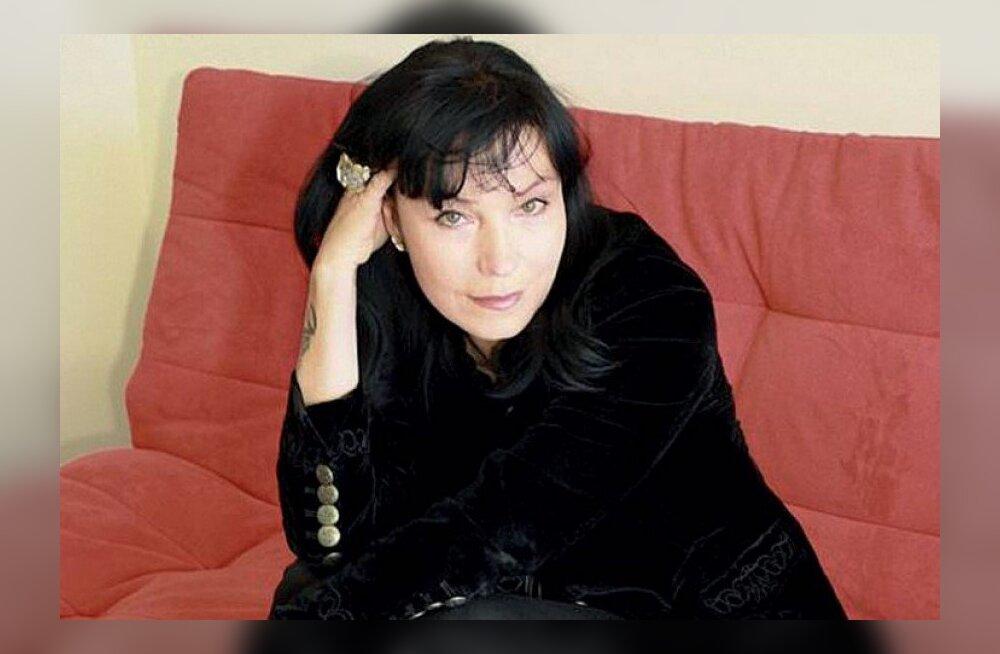 Margit Jõgger õpetab, kuidas modelliks saada: maagilisest ilust ei piisa, kui sul on seljas maitsetu bling!