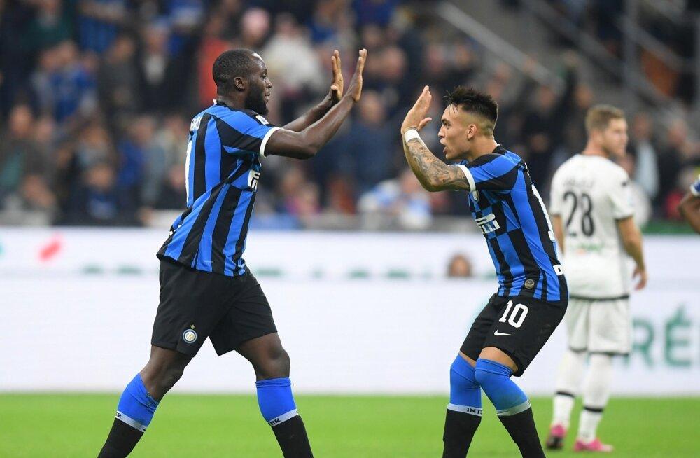 Milano Interi ründeduo Romelu Lukaku ja Lautaro Martinez.