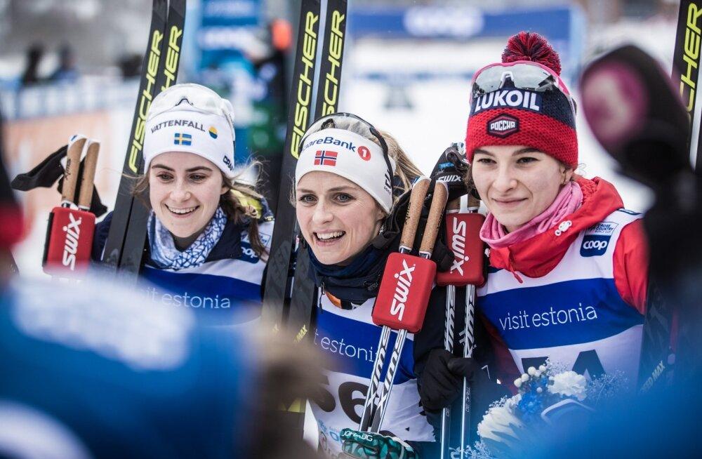 Therese Johaug särab finišis Ebba Anderssoni ja Natalia Neprajeva vahel.