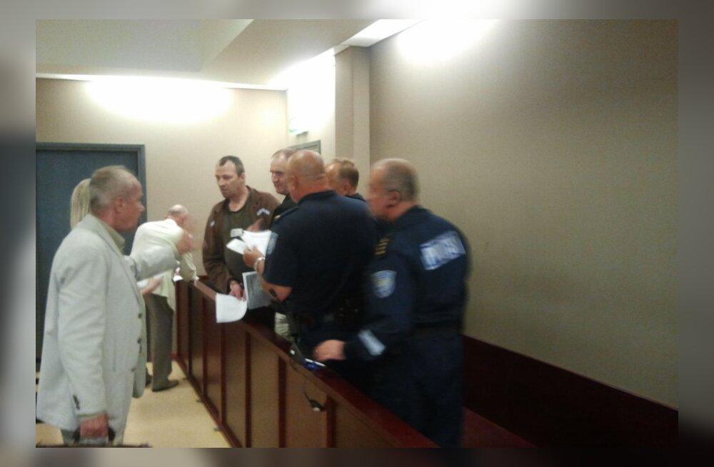 Juhtumi arutamine kohtusaalis