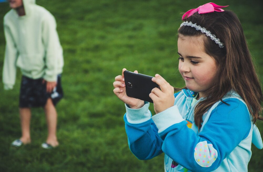 """Как прекратить """"смартфонные войны"""": 10 советов родителям"""