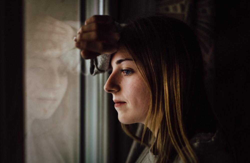Naine, kes petab oma meest, et ellu vähekenegi särtsu tuua: on see minust siis nii vale?